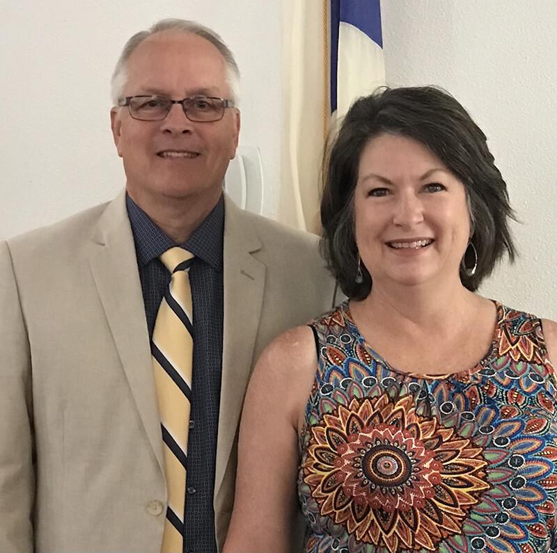 Senior Pastor Mark Robinette & Wife Alison